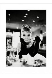 Audrey Hepburn Breakfast At Tiffanys B&W - reprodukcja